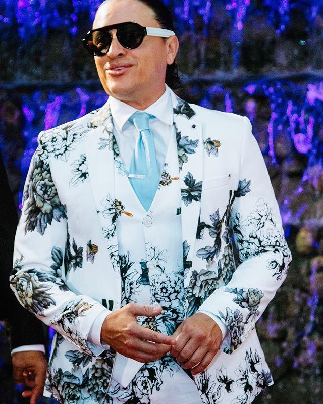 "Photo of Elvis Crespo vive el éxito ""sanamente"""