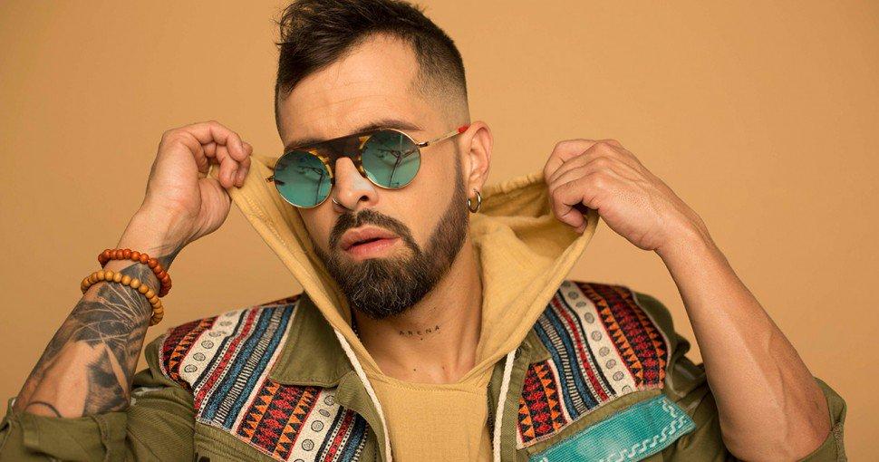 Photo of Mike Bahía presenta «Canciones con mentiras»