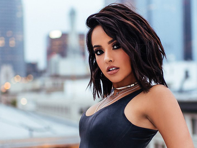 Photo of Becky G aclara porque prefiere hablar ingles