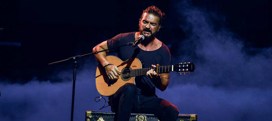 Photo of Ricardo Arjona presume su cuerpo en las redes