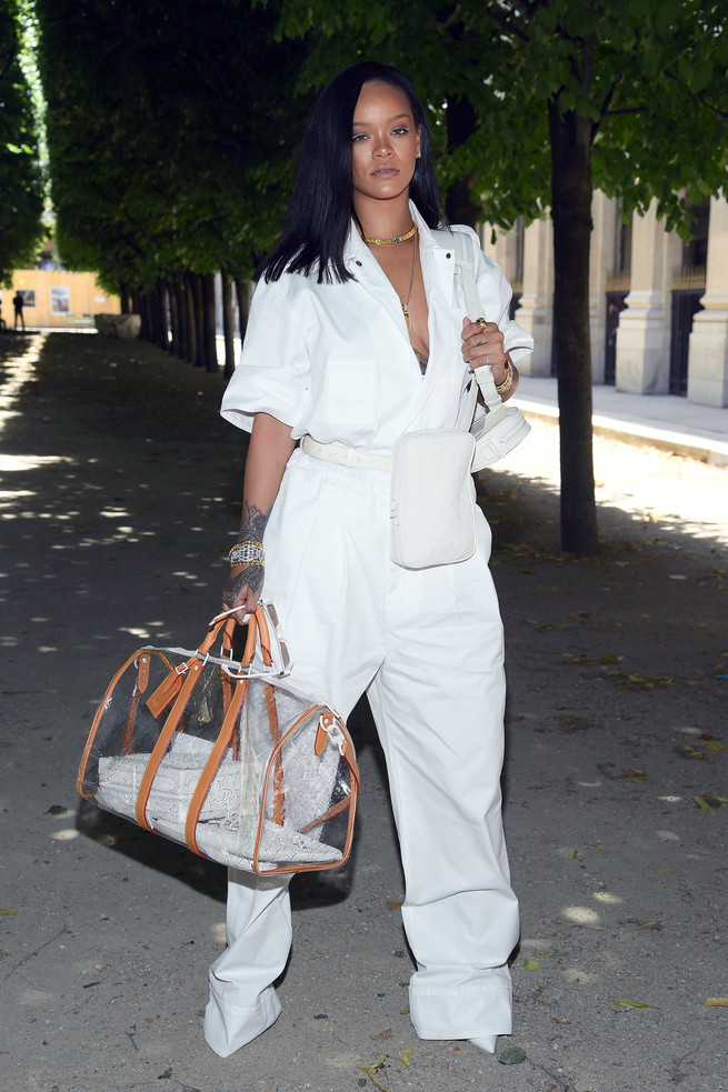 Photo of Rihanna prepara el lanzamiento con Louis Vuitton