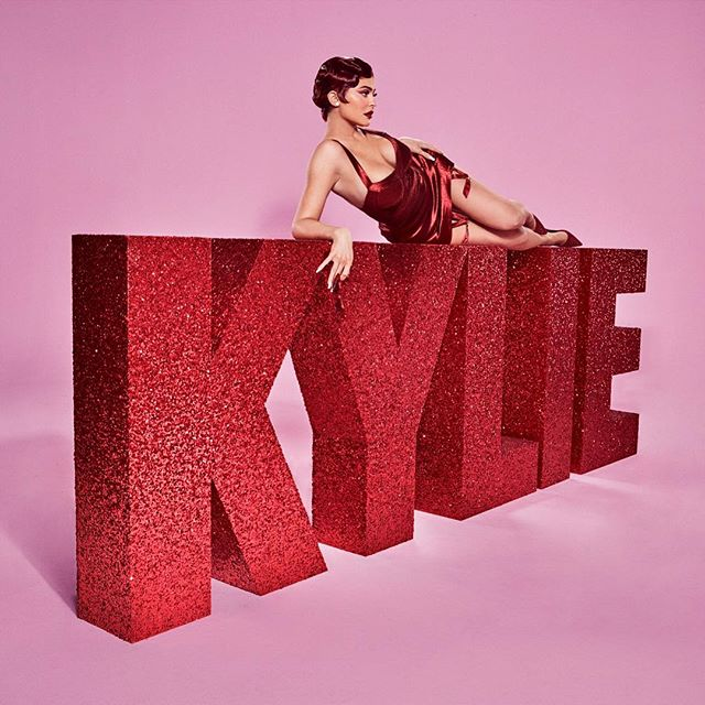 Photo of Kylie Jenner presento su colección para 'San Valentin'