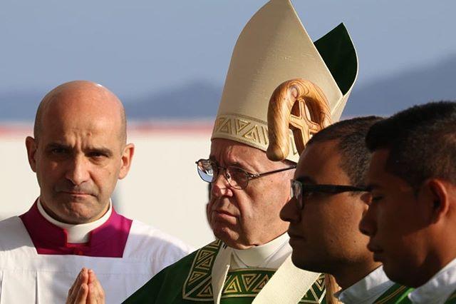 Photo of El papa regresó al Vaticano después de cinco días en Panamá