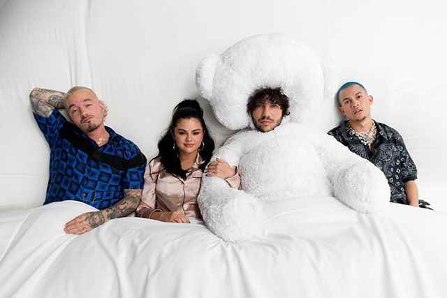 Photo of Selena, J Balvin, Blanco y Tainy en «I can't get enough»