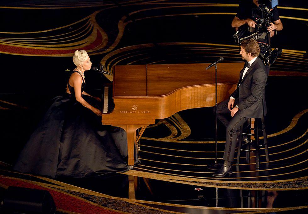 Photo of Alucinante fue ver a Lady Gaga y Bradley Cooper en los Premiso Oscar