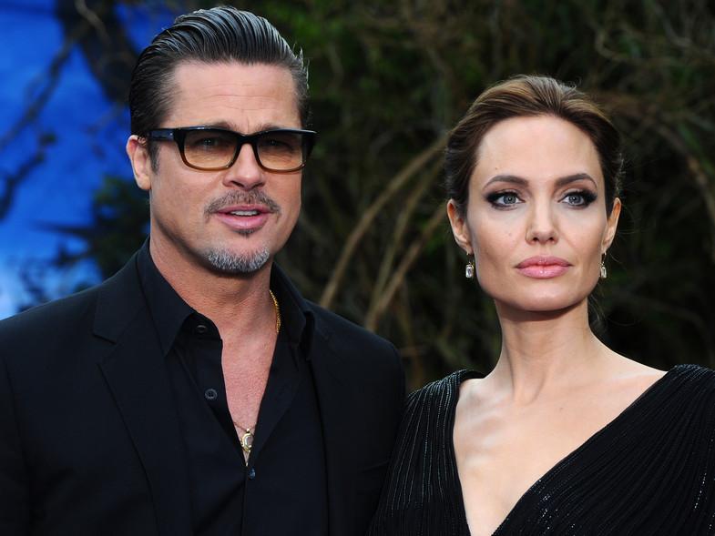 Photo of Brad Pitt y Angelina Jolie oficialmente considerados solteros