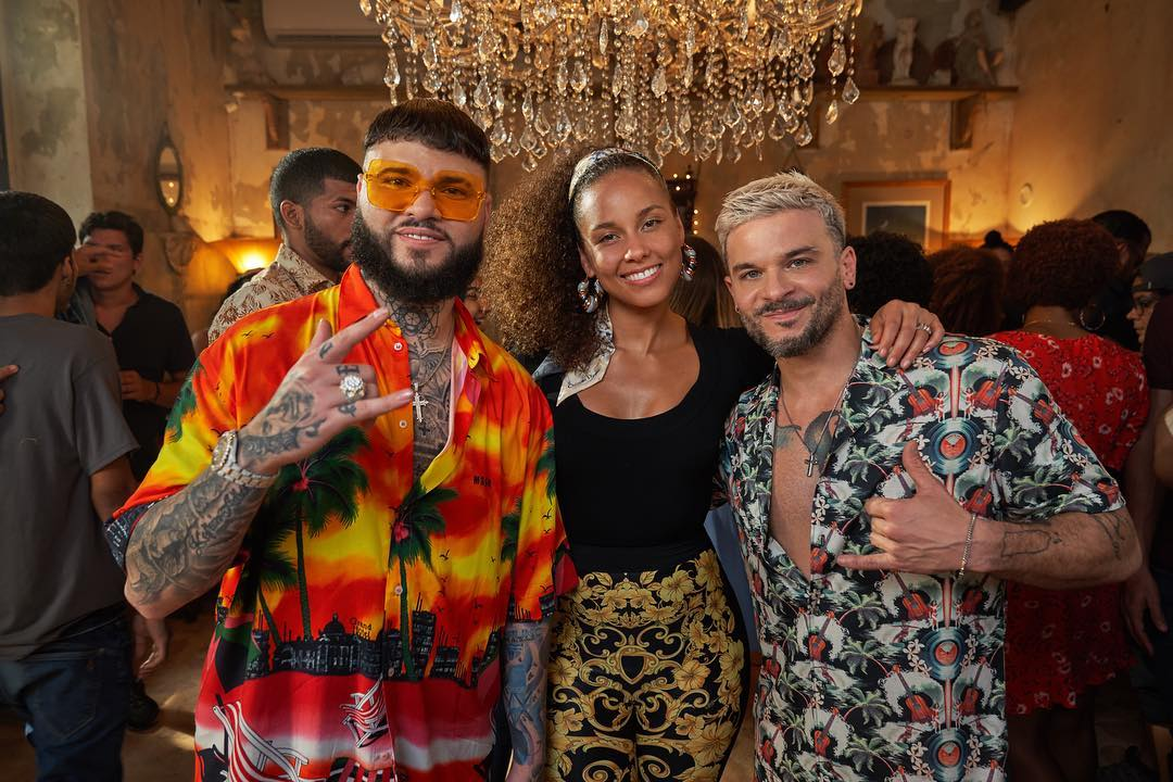 "Photo of Alicia Keys, Pedro Capó y Farruko en una nueva versión ""Calma"""