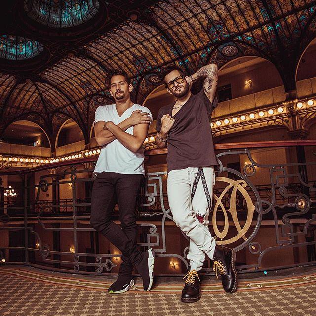 """Photo of Mau y Ricky Montaner lanzan su primer álbum """"Para aventuras y curiosidades"""""""