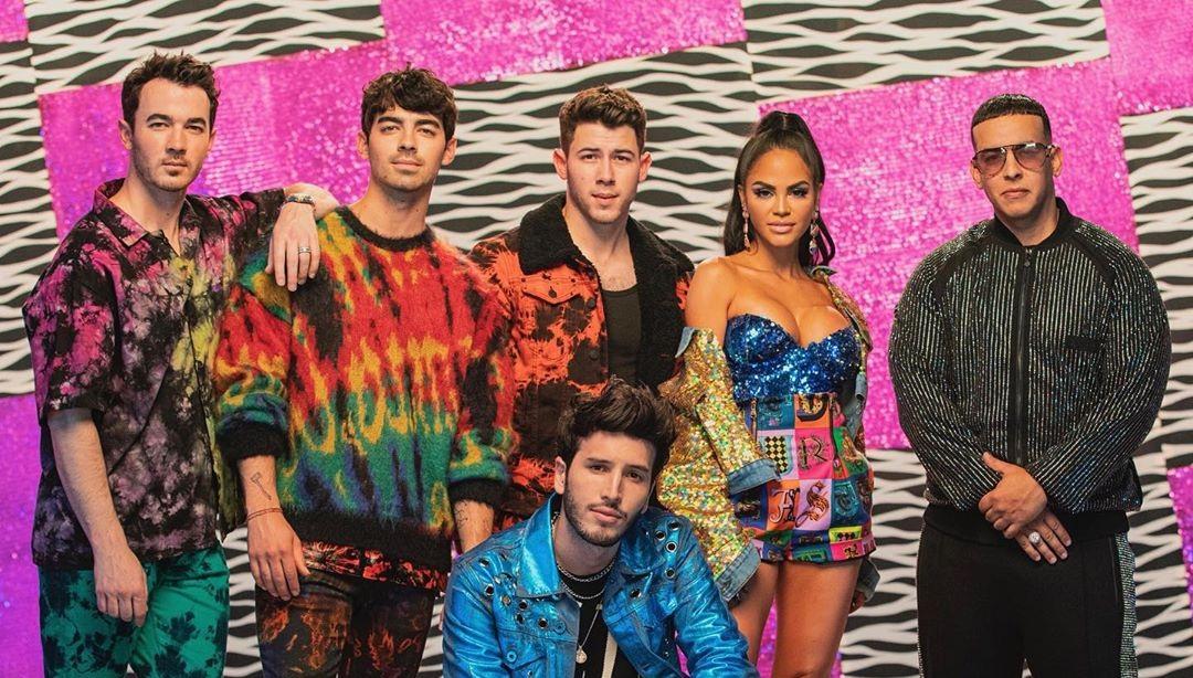Photo of Estreno de 'Runaway' de Sebastián Yatra junto a los Jonas Brothers, Daddy Yankee y Natti Natasha