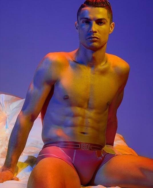 Photo of CR7 lanza su nueva línea de ropa interior