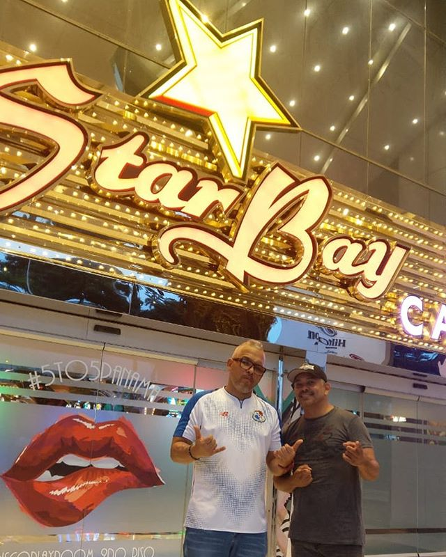 Photo of Toby King y Luis Lugo juntos en Starbay Casino en una rumba Reggae-Salsa