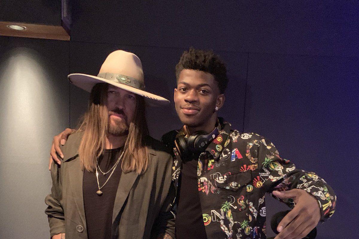 Photo of 'Old Town Road' la canción de Lil Nas X y Billy Ray Cyrus, rompe récord en Billboard superando a 'Despacito'