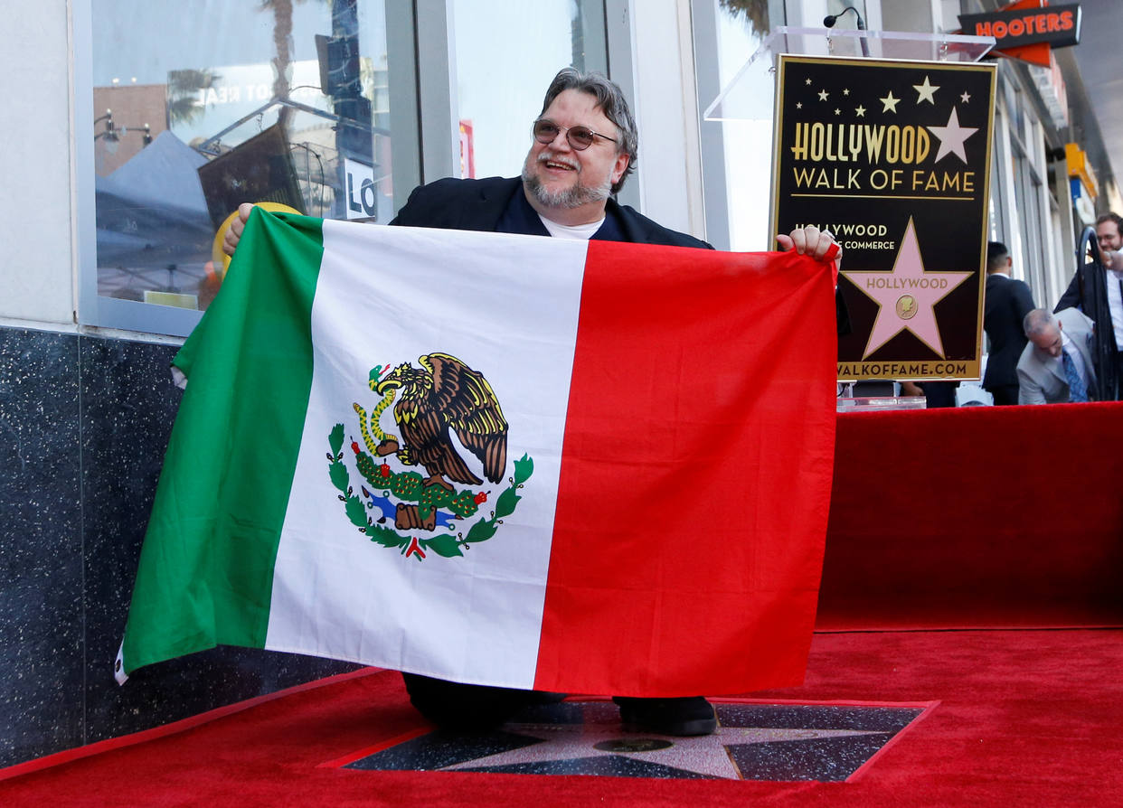 Photo of Guillermo del Toro recibió sus estrella en el Paseo de la Fama en Hollywood