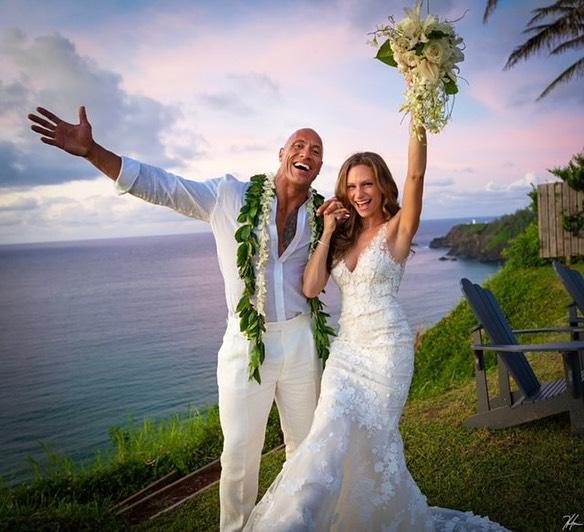 Photo of Dwayne Johnson «La Roca» celebra su matrimonio junto a Lauren Hashian