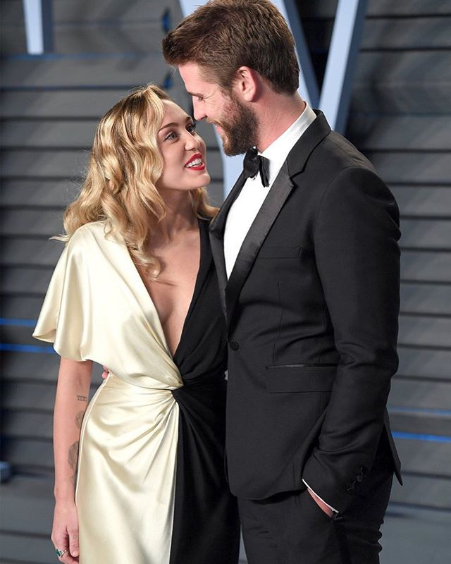 Photo of Miley Cyrus y Liam Hemsworth anuncian que su matrimonio llega a su fin