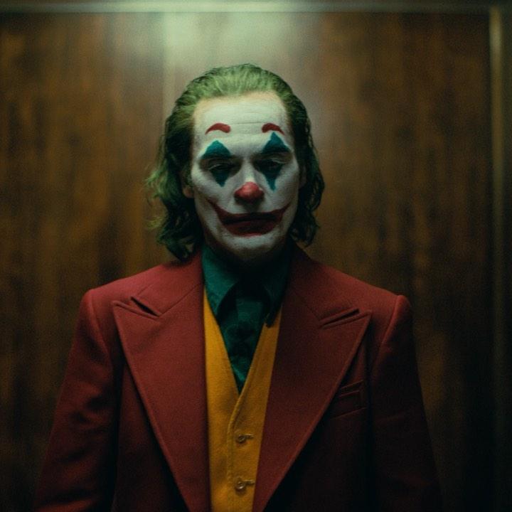 Photo of Warner Bros Pictures estrena el trailer oficial de «Guasón»