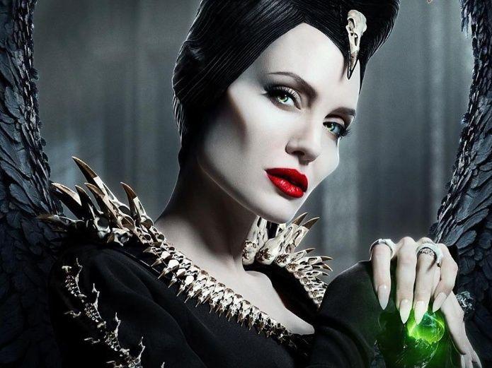 Photo of Descubre la increíble transformación de Angelina Jolie como Maléfica