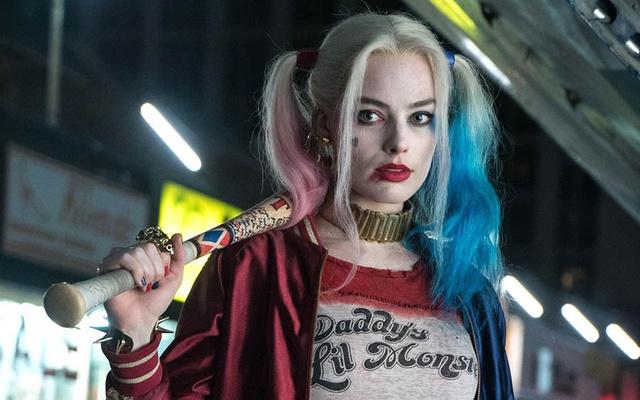 Photo of ¡Atención! Se filtran imágenes de Margot Robbie con el nuevo traje de Harley Quinn