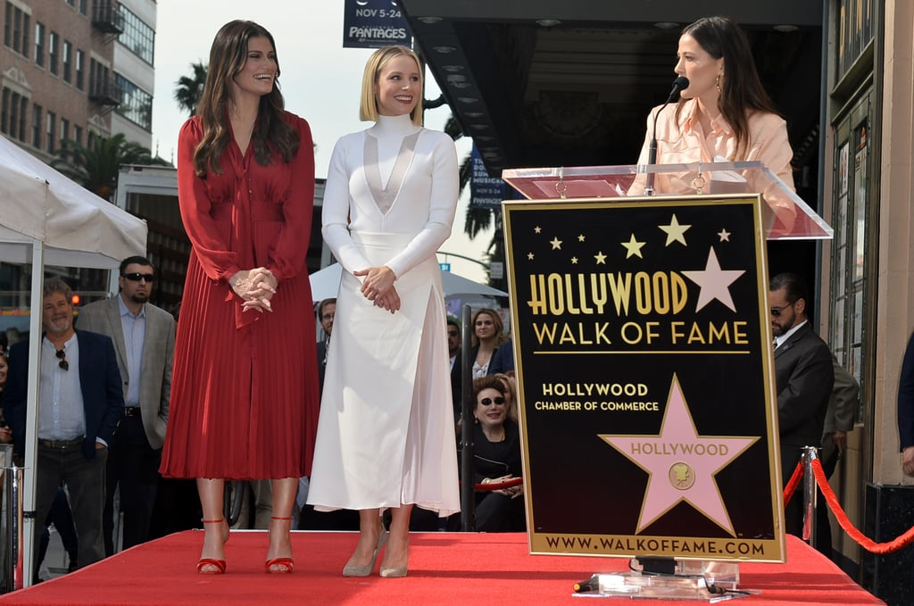Photo of Kristen Bell e Idina Menzel reciben su estrella en el paseo de la fama en Hollywood