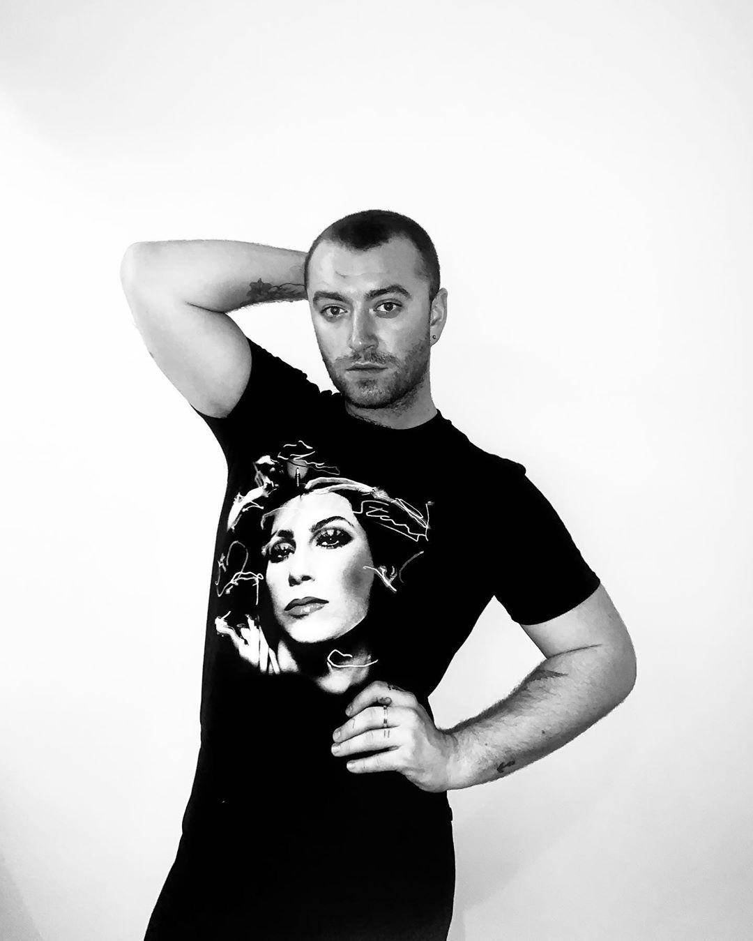 Photo of Sam Smith lanza el icónico single «I Feel Love» de Donna Summer
