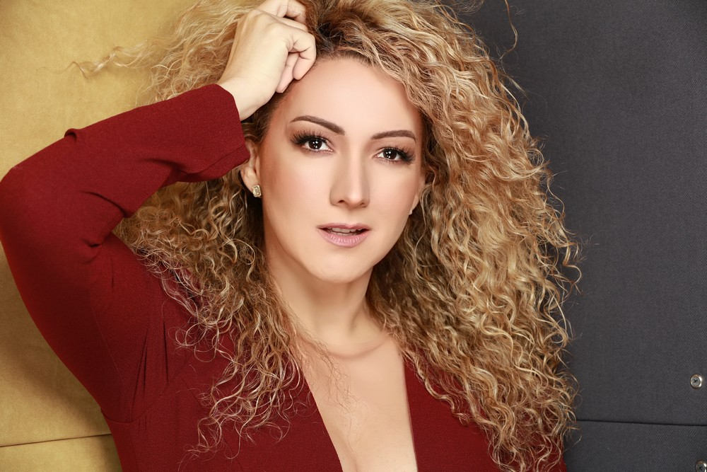 Photo of Erika Ender presenta «Me Acostumbré»