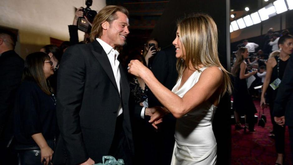 Photo of Brad Pitt y Jennifer Aniston compartieron risas y emociones en los premios SAG