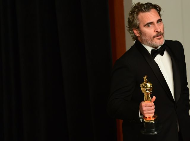 """Photo of Joaquin Phoenix triunfa con su primer Oscar como """"Mejor Actor"""""""