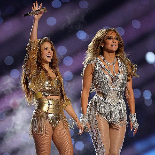 Photo of Las latinas Shakira y JLO hicieron historia en su presentación en el Super Bowl