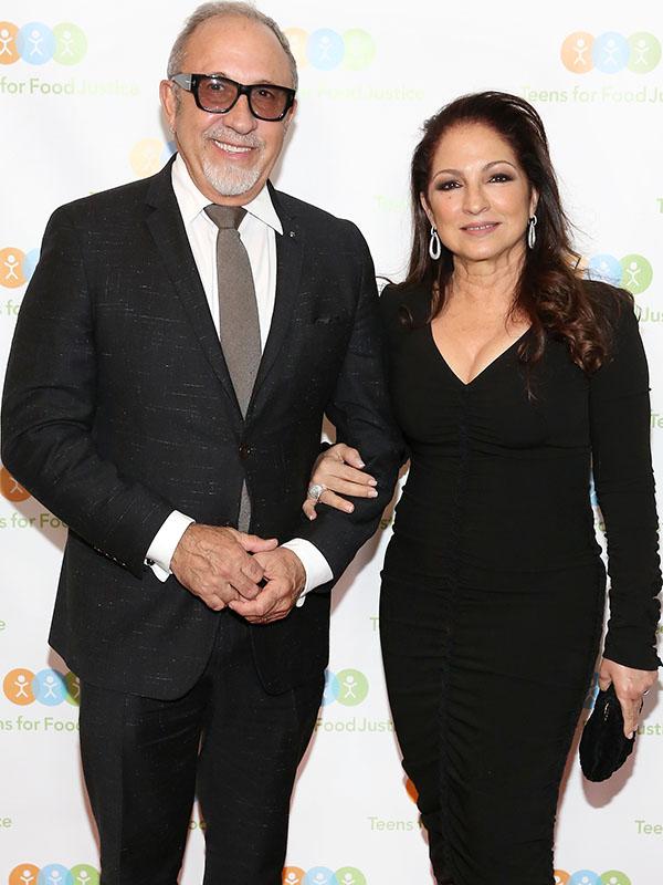 Photo of Emilio y Gloria Estefan se asocian con CVS Health para ayudar a sus empleados durante COVID-19