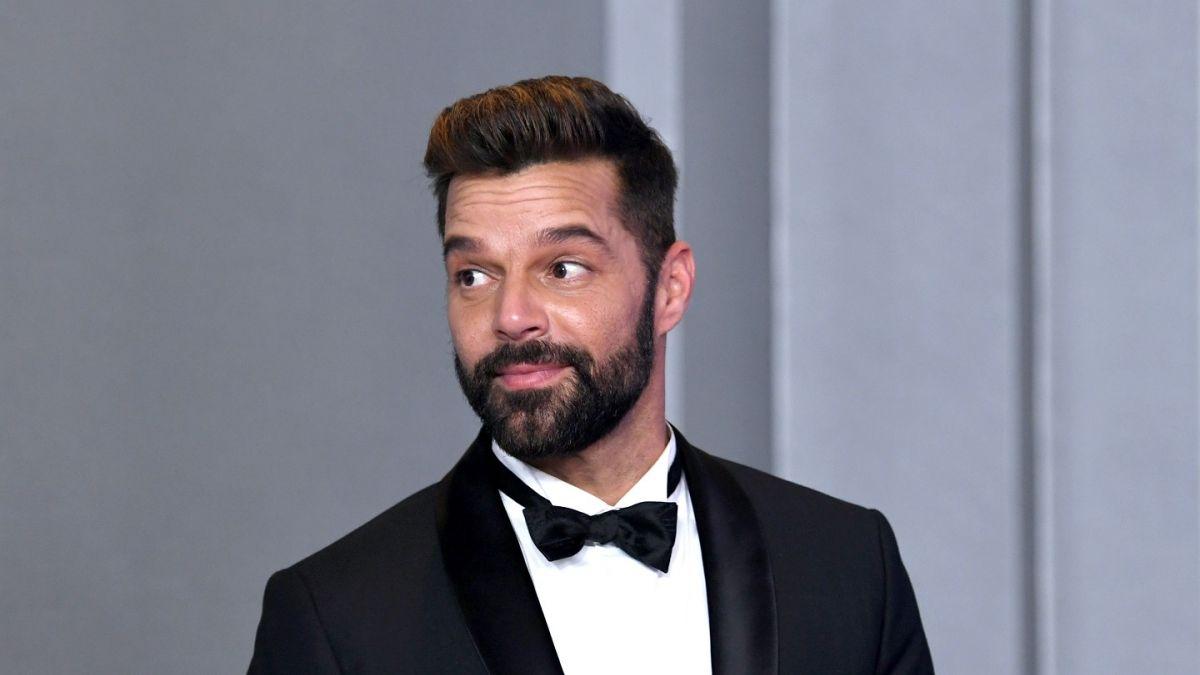 Photo of Ricky Martin presenta a su cuarto hijo 'Renn Martin-Yosef'