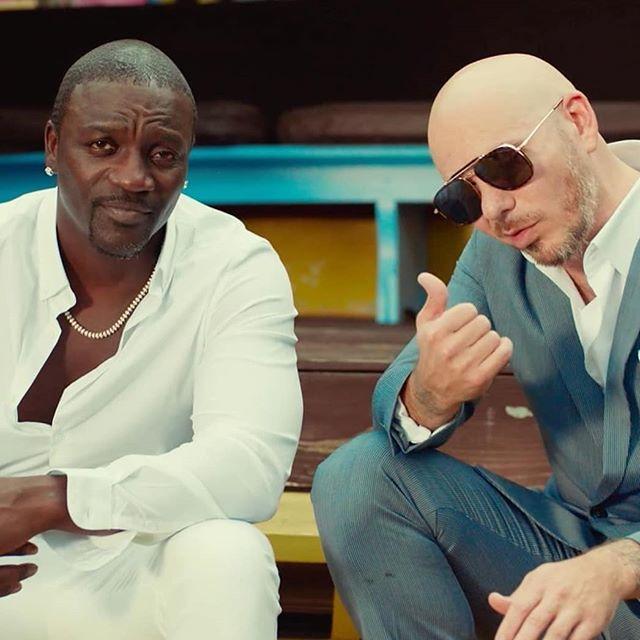 """Photo of Akon y Pitbull estrenan el vídeo de """"Te Quiero Amar"""""""