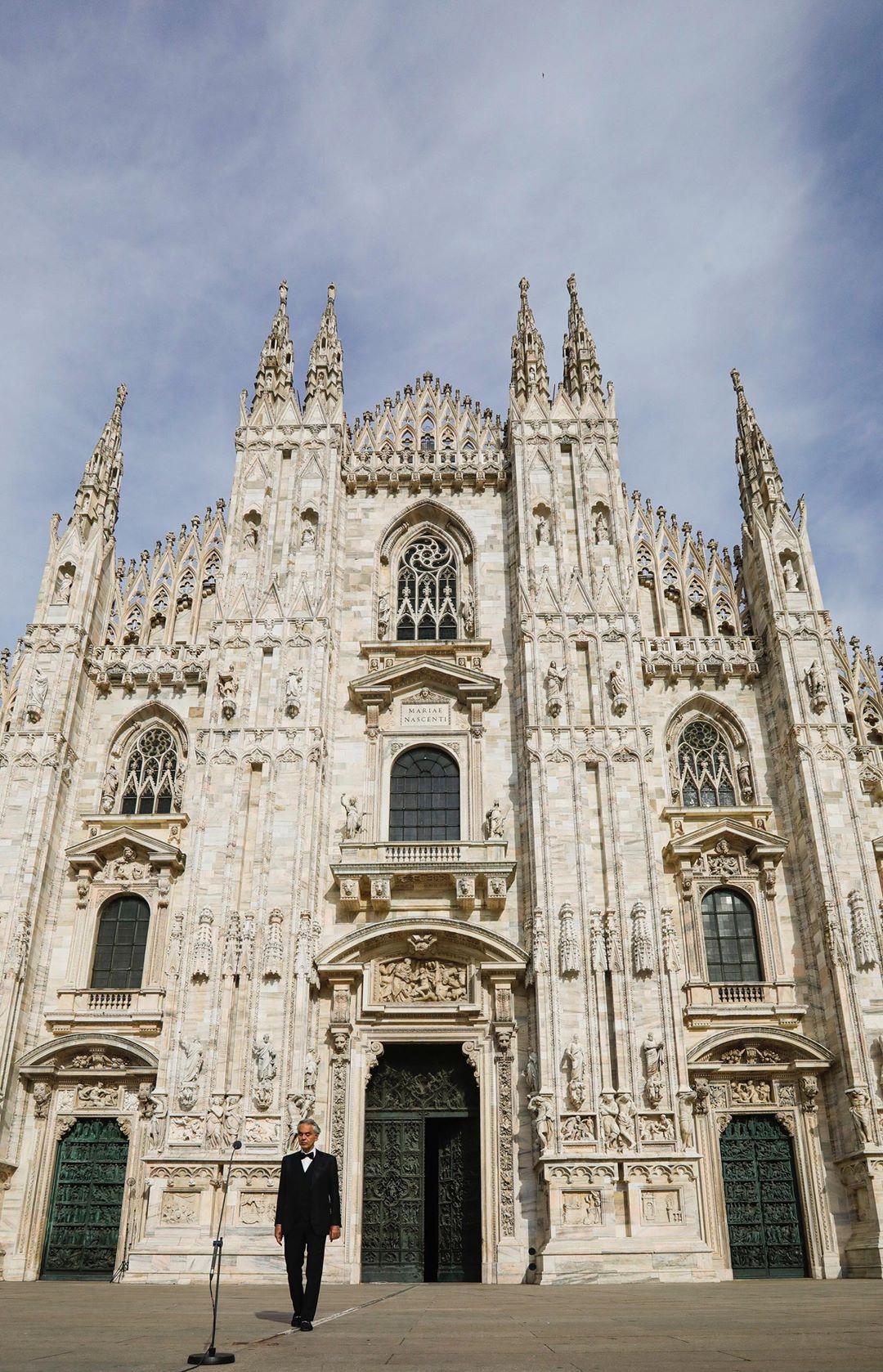 Photo of Andrea Bocelli actuó en el Duomo de Milán en solitario a causa del coronavirus