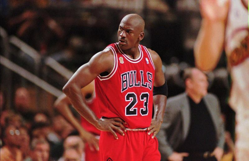 Photo of Netflix estrena trailer de la serie de Michael Jordan «El último baile»