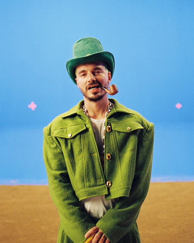 "Photo of J Balvin estrena el vídeo musical de ""Verde"""