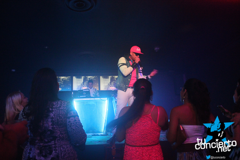 Photo of Nuevo Bar & Lounge by @GoldenLionPTY