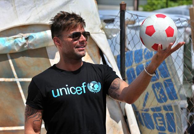 Photo of Ricky Martin visitó a niños refugiados en el Líbano