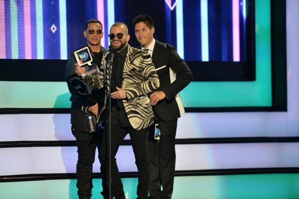 Photo of Chino y Nacho ganadores en Premios tu mundo