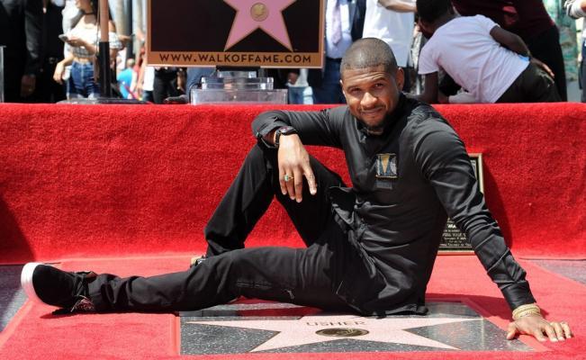 Photo of Usher y su estrella de Hollywood