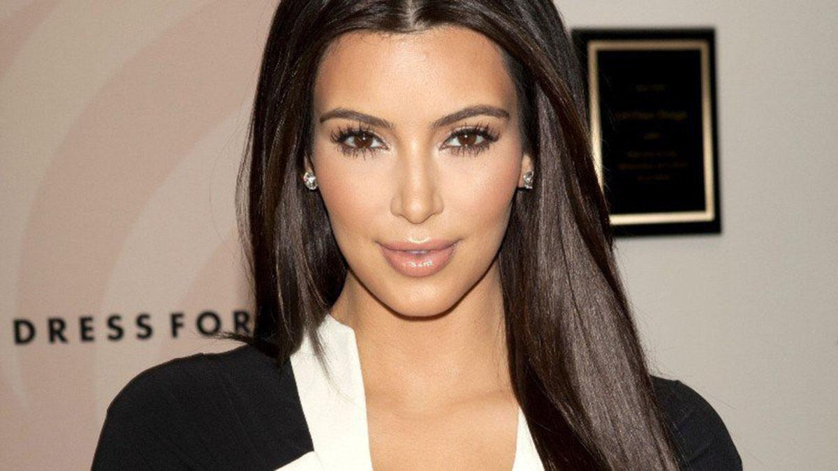 Photo of Kim Kardashian sufre ataque a mano armada en París