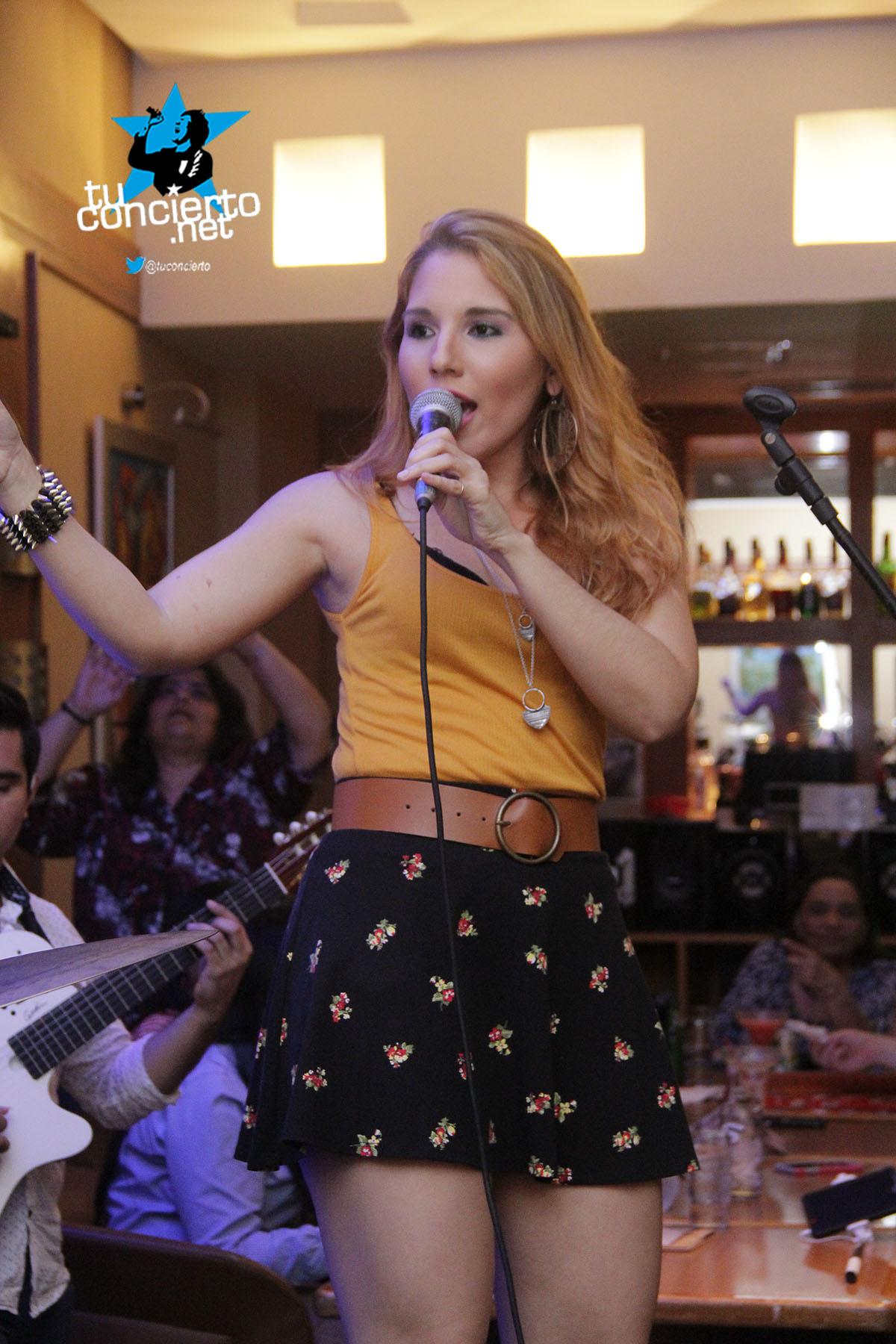 Photo of #IntimoTuConcierto con Karla Vargas