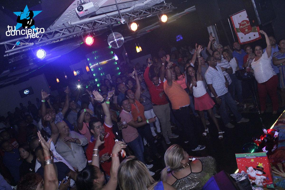 Photo of Los viernes de Gl Bar & Lounge