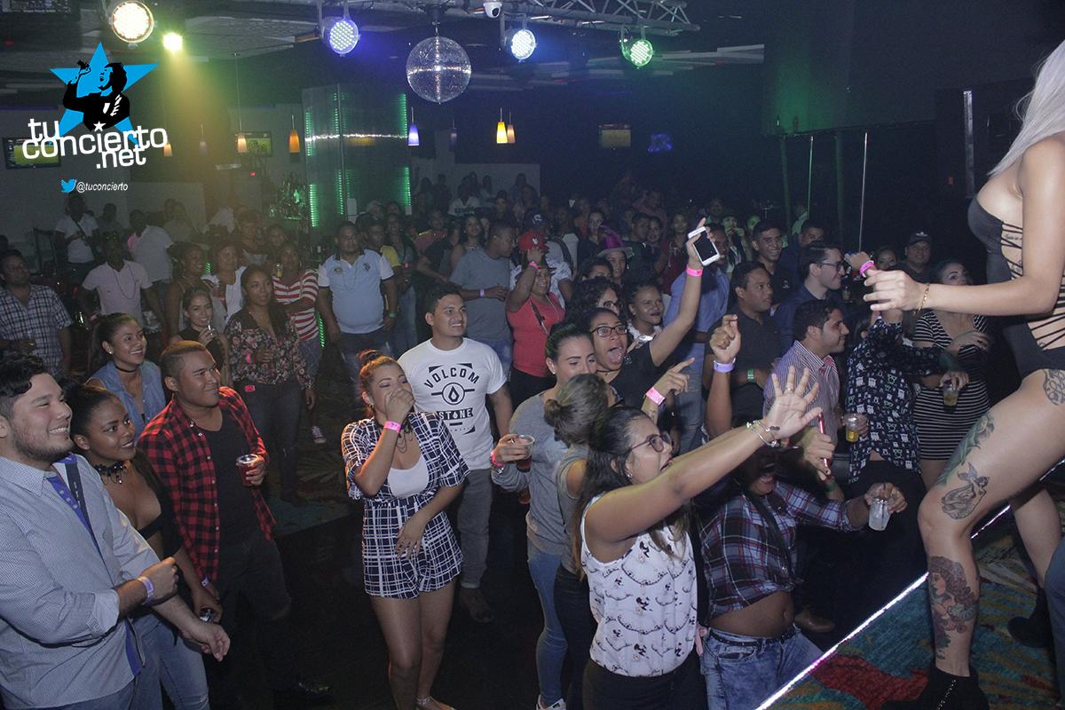 Photo of Miércoles de Open Bar en Gl Bar & Lounge