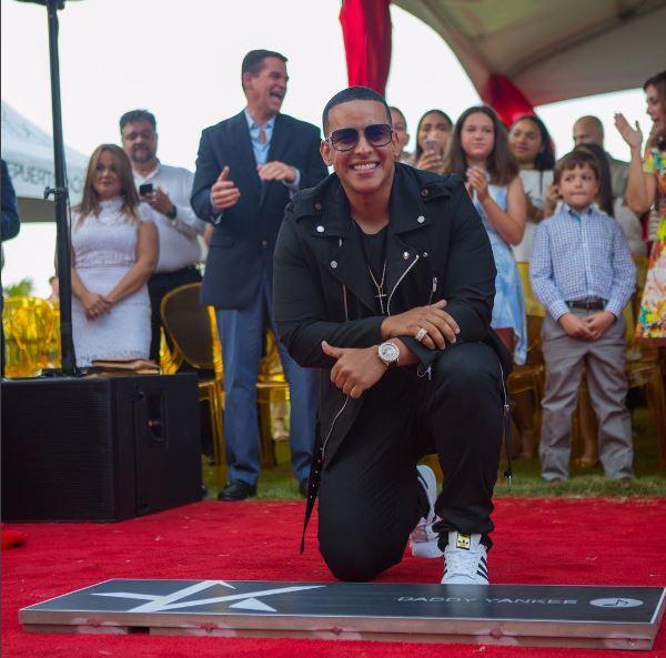Photo of Daddy Yankee recibe estrella de la fama en Puerto Rico