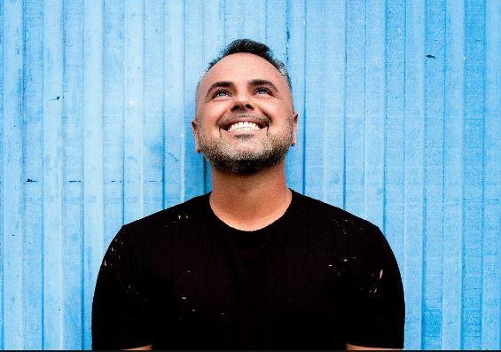 Photo of «Rápido, Brusco, Violento» es la nueva canción de Juan Magán