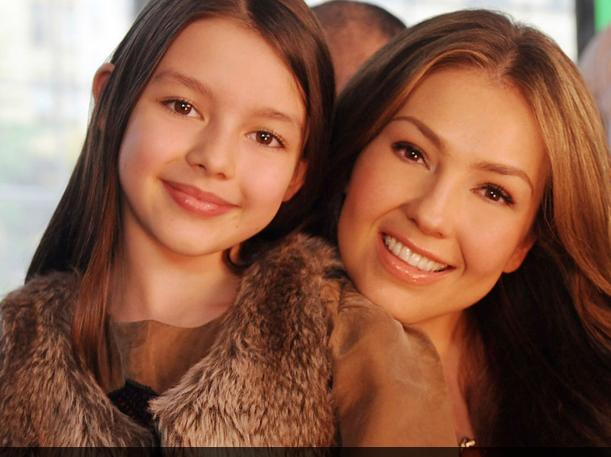 Photo of Thalia comparte a sus fans una foto junto a su hija