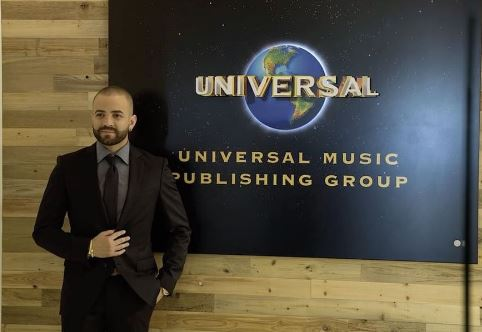 Photo of Así recordamos como Nacho firmó acuerdo con Universal Music