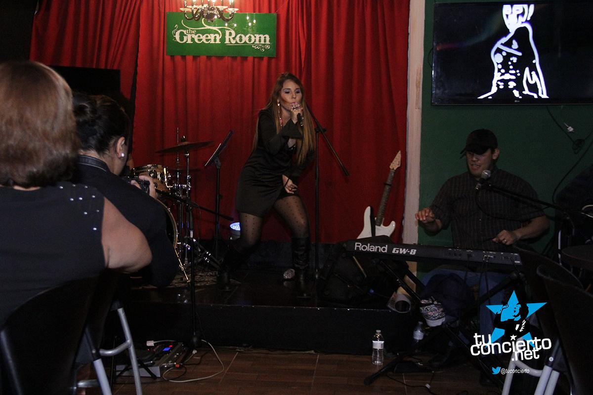 Photo of Karla Vargas en Green Room Karaoke