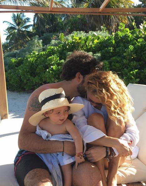 Photo of Paulina Rubio se encuentra enamorada más que nunca