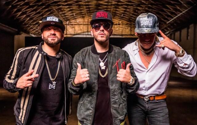 "Photo of Nacho lanza el vídeo oficial ""Báilame Remix"""