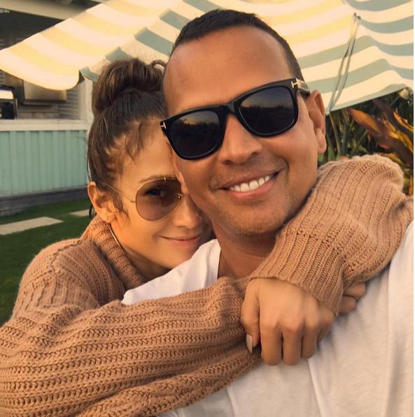 Photo of Alex Rodríguez entrevisto a Jennifer López en una transmisión en vivo por Instagram